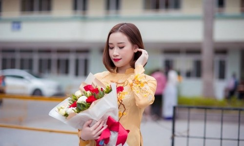 Ms Ngân Phạm - Don't be the same, be better