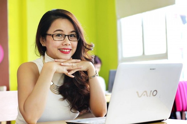 """Kenh14.vn - Bí quyết """"triệu view"""" của cô giáo dạy tiếng Anh qua mạng"""