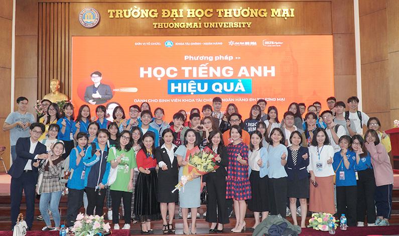 Workshop định hướng học tiếng Anh cho hơn 500 sinh viên đại học Thương Mại - Ms Hoa Giao Tiếp