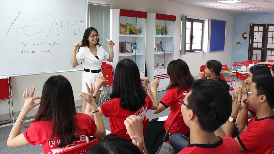 Học tiếng Anh tại Ms Hoa Giao tiếp