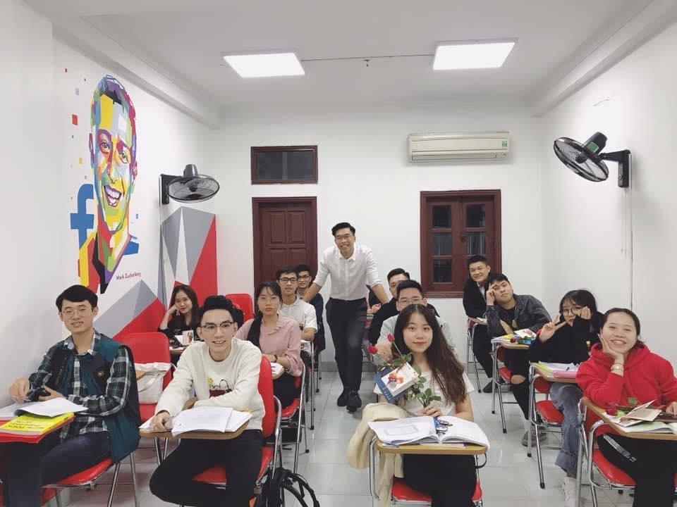 Lớp học của Ms Hoa Giao Tiếp tràn đầy hào hứng